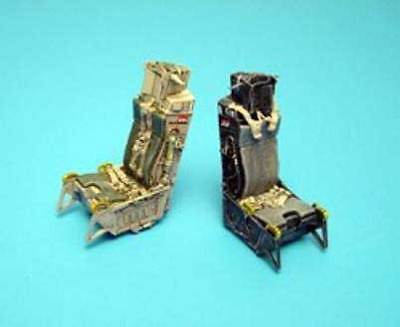 Aires 1/72 ACES II Ejection Seats 7051
