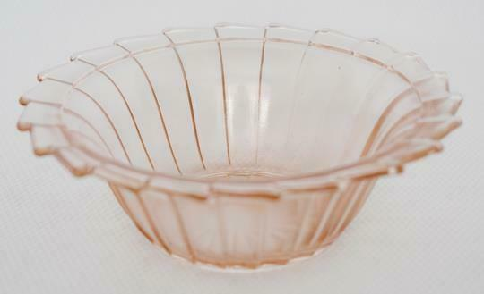 LOVELY ART DECO JEANNETTE SIERRA PINWHEEL PINK DEPRESSION GLASS BERRY BOWL #1