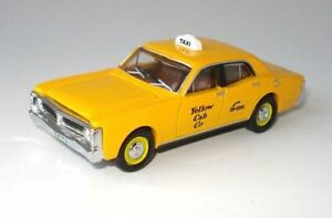 NEW-XY-Ford-Falcon-Yellow-Cabs-Taxi-1-64-Diecast-Model-Car-Display-Case