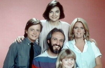FAMILY TIES MICHAEL J. FOX MEREDITH BAXTER CAST PHOTO