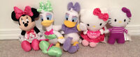 MINNIE MOUSE, DAISY DUCK, HELLO KITTY SMALL STUFFIES