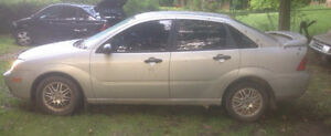 PARTING OUT 2005 Ford Focus ZX4 SE London Ontario image 3