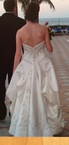 Beautifully Detailed Wedding Dress Kitchener / Waterloo Kitchener Area image 5