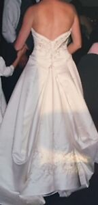 Beautifully Detailed Wedding Dress Kitchener / Waterloo Kitchener Area image 6