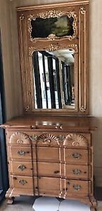 Four-drawer large solid wood dresser and mirror