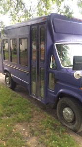 1991 ford econoline bus perfect for craven