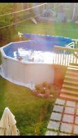 Belle piscine 15 pieds de diamètre, à vendre.