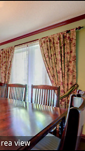 4 Light blocking flower curtains with 2 rods, decorative ties