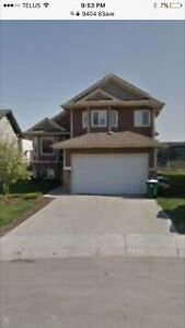 Morinville -Fully Finished 5 bedroom Home for Rent