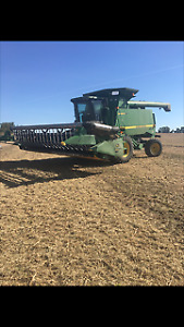 Very well maintained 9410 John Deere Combine