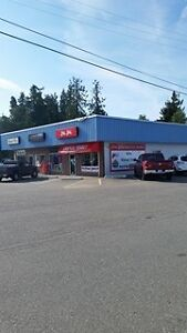 Excellent Location with Highway Frontage in a Busy Shopping Comp