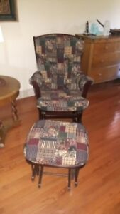 ROCKER CHAIR WITH OTTOMAN