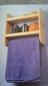 étagères pour serviette et épices