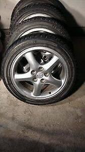 4 pneus et mag 215/50R17 nexen pneus etat neuf 350$ ferme Gaetan