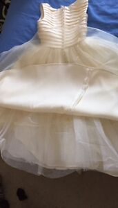 Flower girl / communion dress -- girls size 10 --worn only once Peterborough Peterborough Area image 2