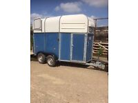 Richardson supreme horse trailer Carries two 16hhs. Has wheel security clamp keys etc .
