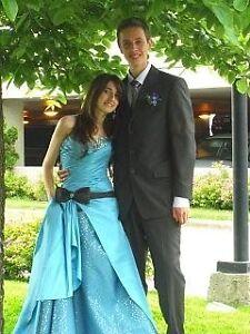Robe de bal/soirée---Prom dress---Bleu--Grandeur 4--Petite/Small