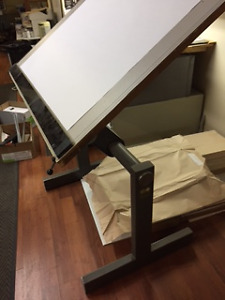 DRAFTING TABLE - professional architect
