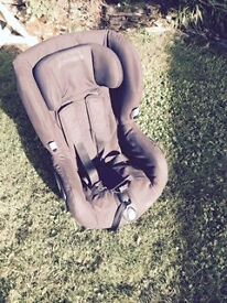 Maxi Cosi AXISS Swivel Car Seat 9 mths - 4 yrs / 9-18Kg