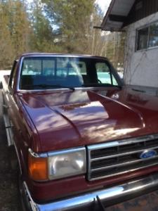 1990 Ford F-150 Lariat Pickup Truck