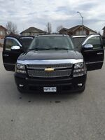 2011 Chevrolet Avalanche Fully Loaded Navigation Low KM