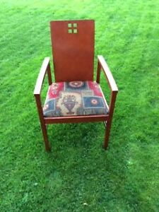 A set of 4 Comfortable Solid Chairs