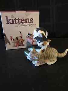 "CAT FIGURINE ""KITTENS PLAYING ON BOOKS"""
