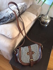 Navy and White Striped F21 Forever 21 Crossbody Purse/Bag!