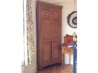 Corner cupboard - pine