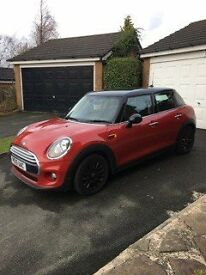 MINI COOPER ONLY 9400 MILES OWNED SINCE NEW.