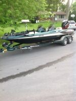 2001 TR21 Triton Bass Boat with a 2001 225HP Mercury Optimax