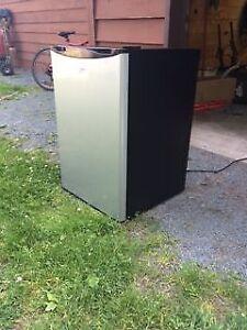 Stainless steel bar fridge