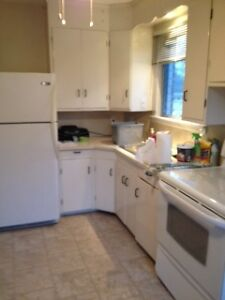 Port Credit 2 bedroom + office May 15 or June 1