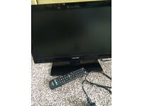 """Toshiba 19"""" high def lcd tv with built -in dvd player 19DL502B2"""
