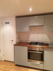 Lovely spacious studio to let with modern kitchen, shower and central heating