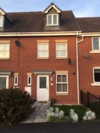 kingsly village ,Nantwich 3 bed town house with garage . to let