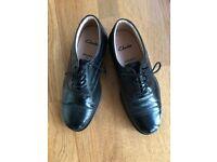 Man's black leather Shoes Size 7