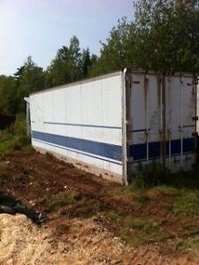 TRUCK CONTAINER 27FT INSULATED