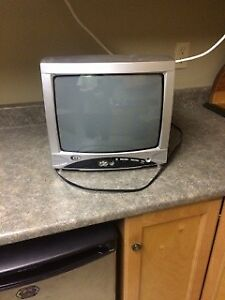 """13"""" TV With Remote"""