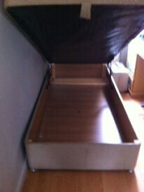 3ft Single Gas Lift Up Ottoman Storage Bed with matress, non smoking home, Like new ,buyer collect