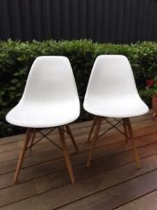 2 x Replica Eames Chairs ($25 each) Menora Stirling Area Preview