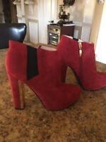 bottes rouge, marque guess
