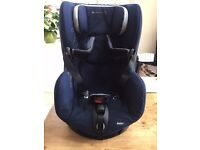Bebeconfort Axiss swivel action car seat - avoids back ache !