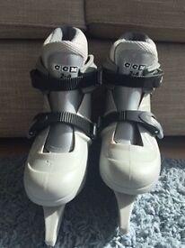 CCM Boys Adjustable Ice Skates. Sizes UK 2-4. Good Condition a Bargain!