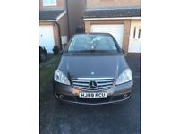 2009 Mercedes A160. Immaculate condition, with low mileage, self parking & leather interior!