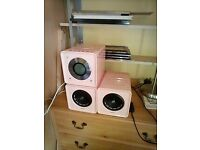 PINK PHILIPS MINI CUBE STEREO.