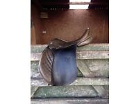 Jefferies Falcon English Leather saddle 17 ins narrow/med, brown v good condition
