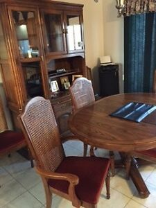 SKLAR Dining Table, Chairs & Hutch Peterborough Peterborough Area image 5