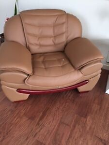 CUSTOM MADE CARAMEL LEATHER COUCH & CHAIR