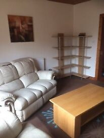 urnished 1 bed spacious flat with newly renovated bathroom. Dunfermline central location
